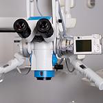 Mikroskop dentystyczny z kamerą