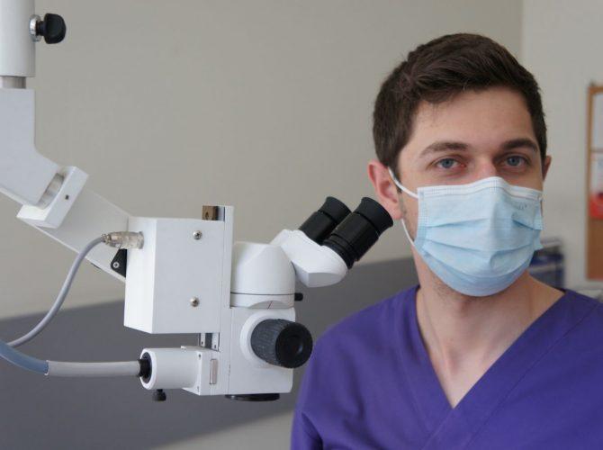 Najnowszy sprzęt dentystyczny oraz profesjonalna kadra to nasz priorytet.