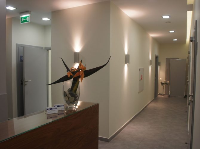 Wejście do naszej wrocławskiej kliniki dentystycznej.