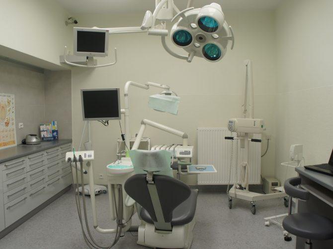 Dobrze wyposażony gabinet stomatologiczny we Wrocławiu.