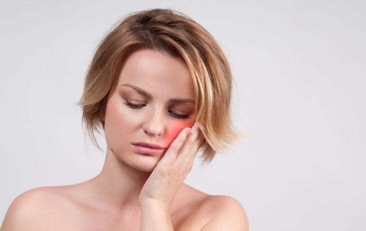 Co zrobić, gdy boli cię ząb? Dzwoń do Aurident!