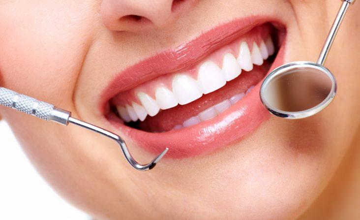 Regularna kontrola zębów w Aurident